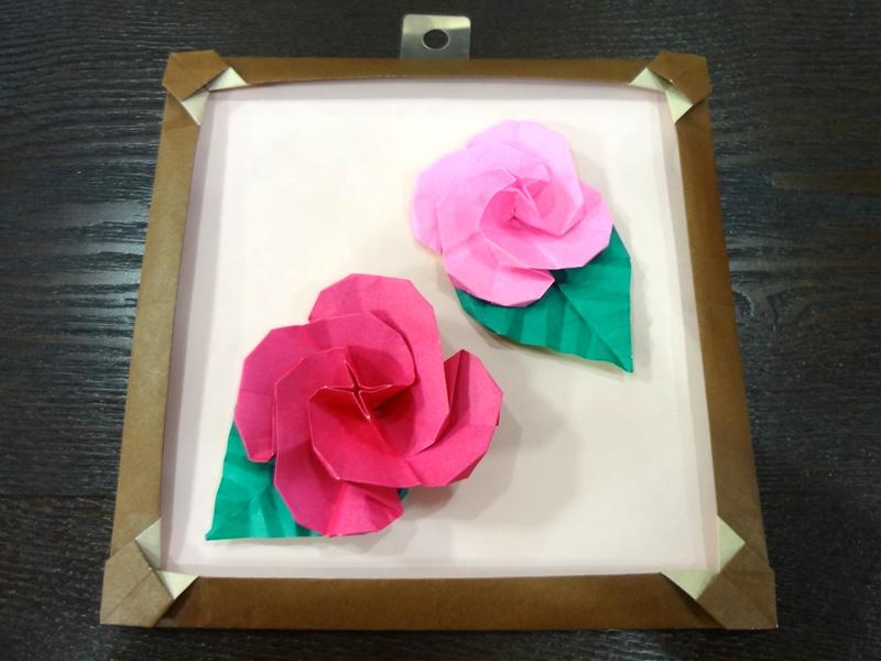 折り紙講座 ~「バラの壁飾り」