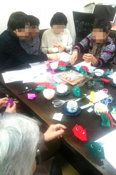 折り紙教室を開催