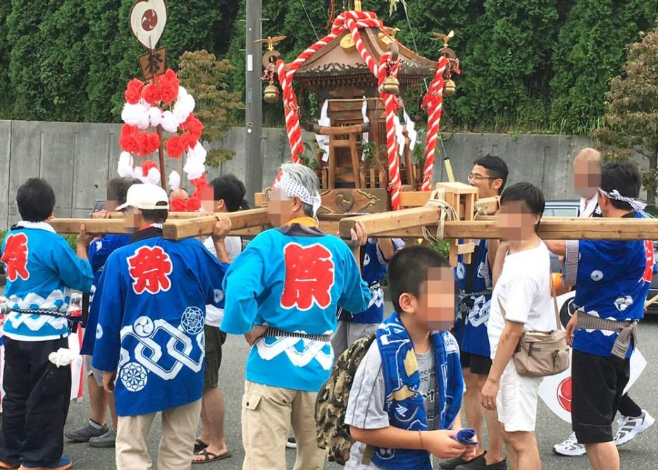 下小山田の上根神社のお神輿