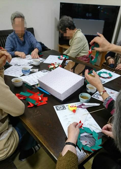 介護ステーションの折り紙教室
