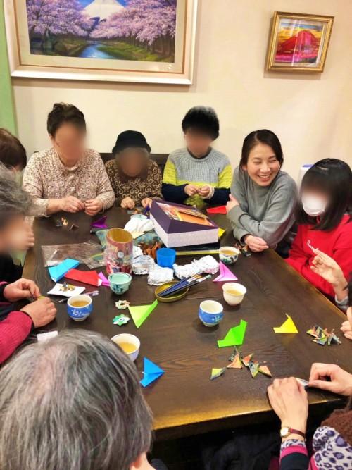 折り紙教室<パールのブローチ>