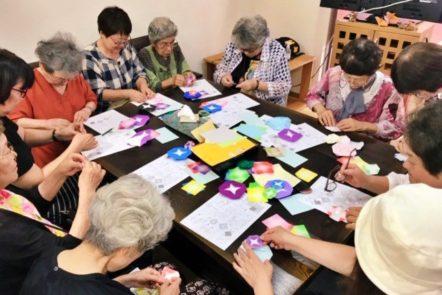 7月27日土曜日の折り紙教室は朝顔を製作致しました。